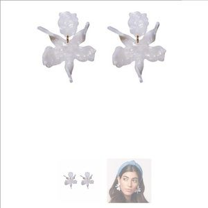 Lele Sadoughi mother of pearl small paper lily